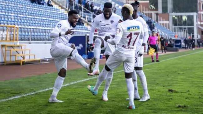 5 gollü maçta Hatayspor deplasmanda coştu!