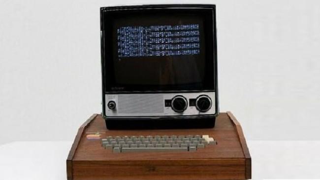 Apple'ın ilk bilgisayarı 10 milyon 658 bin TL'ye satışa çıkarıldı