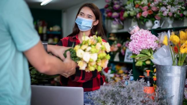 Pandeminin vurduğu çiçekçinin umudu Sevgililer Günü
