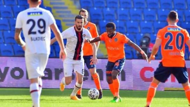 Süper Lig'de iki kritik maç! 3. gol sesi… CANLI