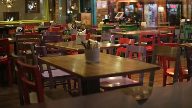 Yiyecek ve içecek sektöründeki işletmelere verilecek 'ciro kaybı desteği' Resmi Gazete'de