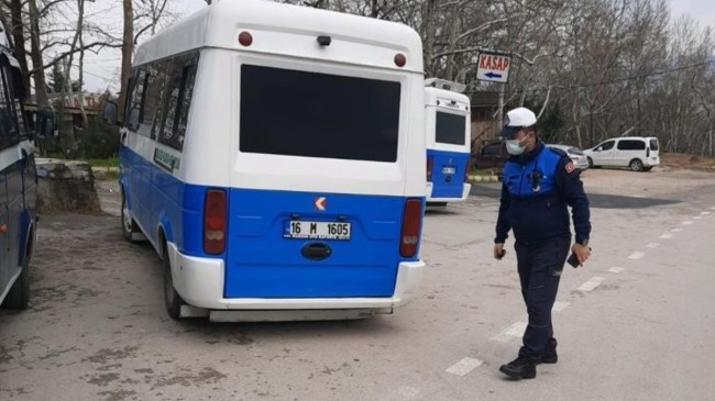 Bursa'da minibüsten 28 kişi çıktı