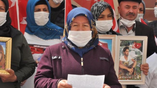 Evlat nöbetindeki ailelerden Ali Babacan'a: Bizi görmezden geldi