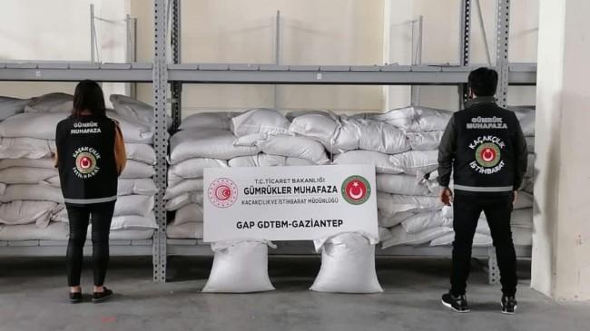 Gaziantep'te 700 bin lira değerinde kaçak iç fıstık ele geçirildi