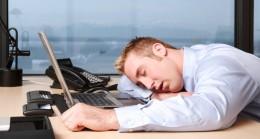 Geçmeyen yorgunluğa neden olan 5 besin eksikliği