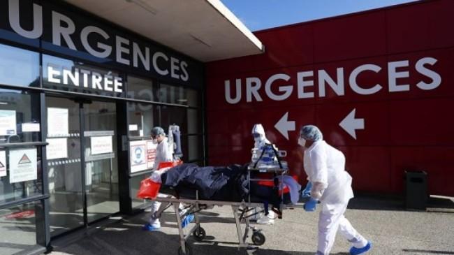 İngiltere'de son 24 saatte Covid-19'a bağlı 110 can kaybı