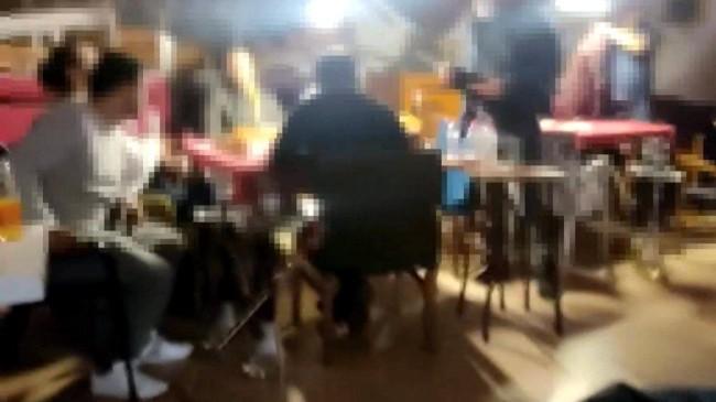 İzmit'teki kafede nargile içip oyun oynayan 16 kişiye ceza kesildi