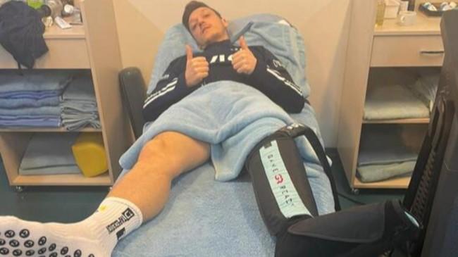 Mesut Özil: Gayret ve mücadeleye devam