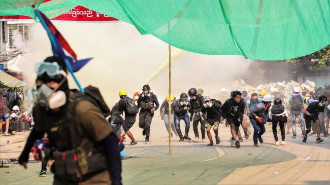 Myanmar'daki protestolarda ölenlerin sayısı 217'ye çıktı
