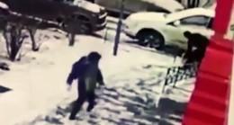 Rusya'da küçük çocuğun gözleri önünde kadın cinayeti