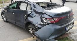 Samsun'da hafif ticari araç ile otomobil çarpıştı
