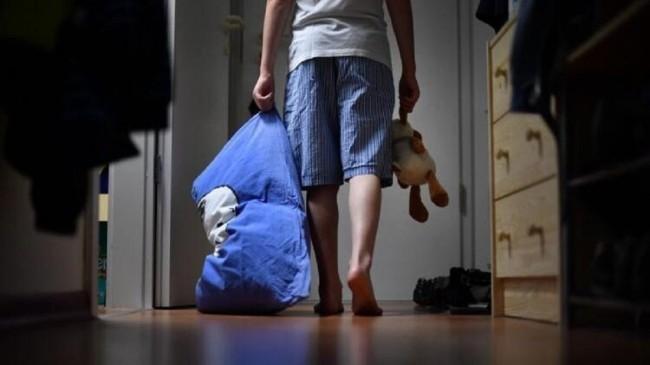 Uykuda dolaşma hastalığı: Uyurgezerlik neden olur, tedavisi var mı?
