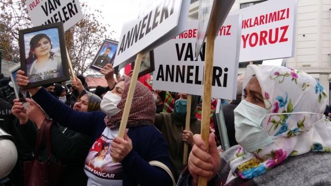 Van'da evlat nöbetine katılan aileler: HDP olmasa PKK da olmaz