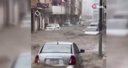 Suudi Arabistan'da sağanak yağışlar sele neden oldu