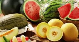 Yazın vücudunuzun su ihtiyacını karşılayan meyveler